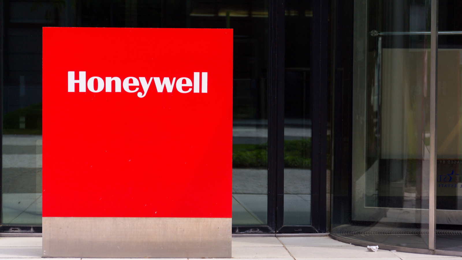 Honeywell Teams Up With Microsoft To Reshape The Industrial Workplace