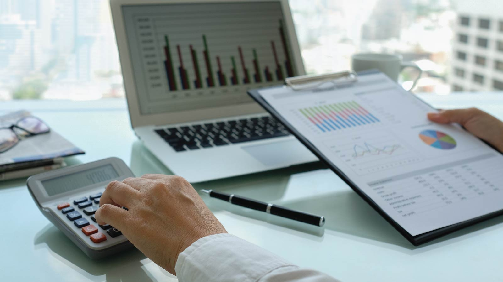 How can a CIO control the cloud budget