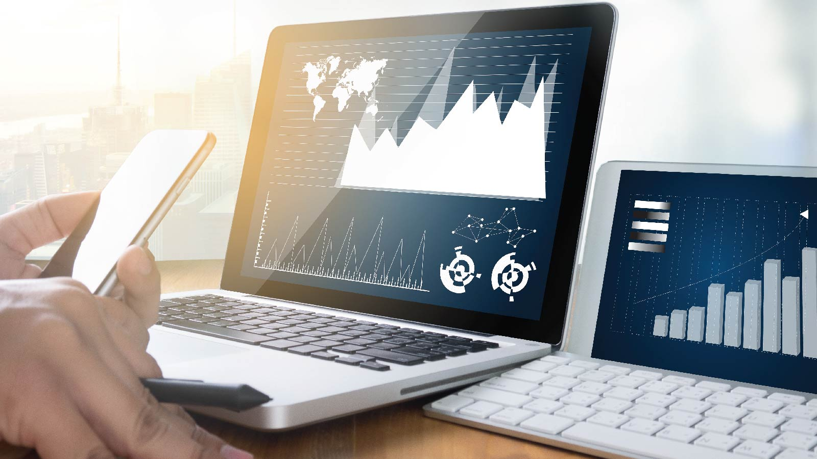 The role of real-time data analytics in improving and guiding business decisions